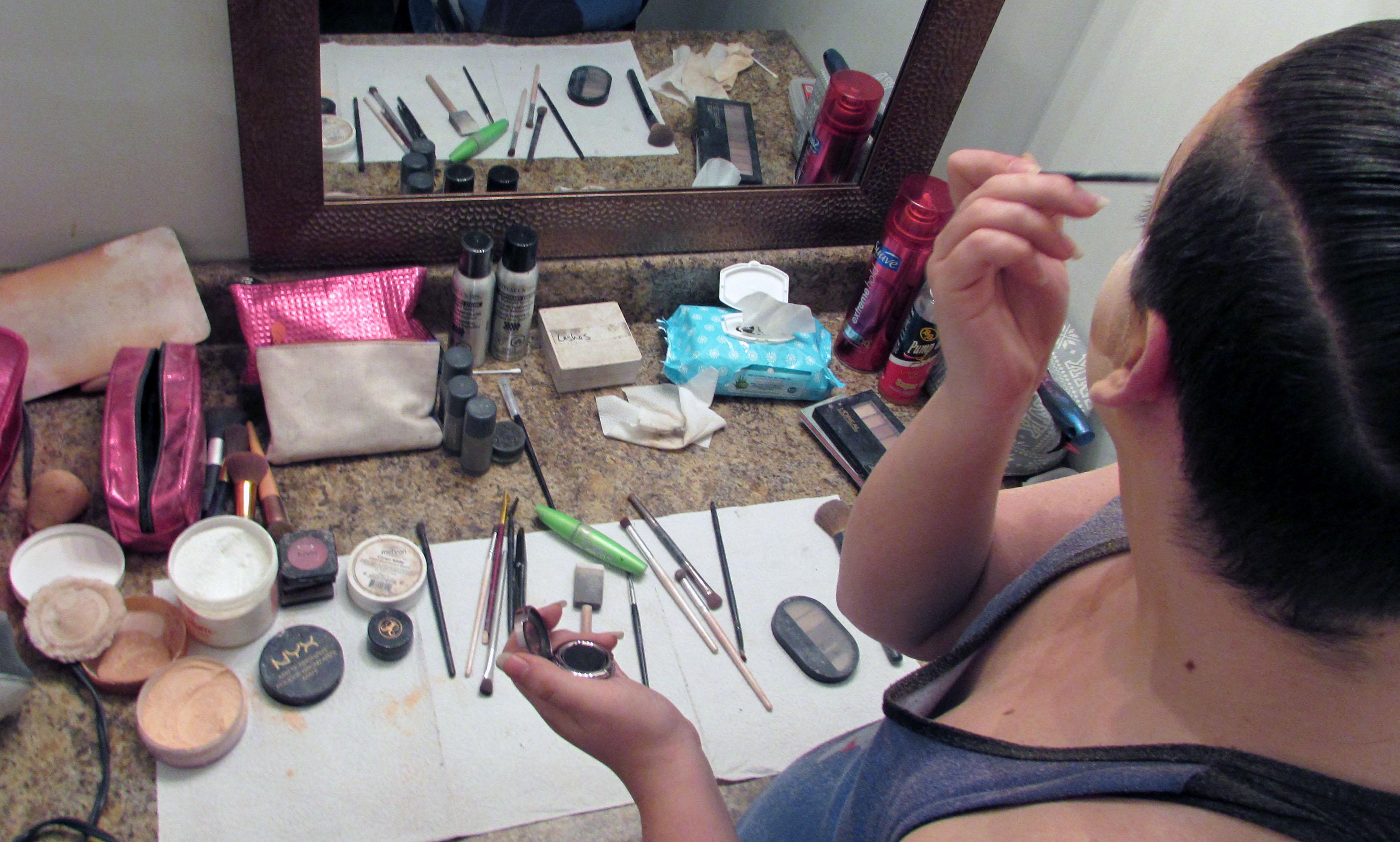 makeup-1530032060-9.jpg