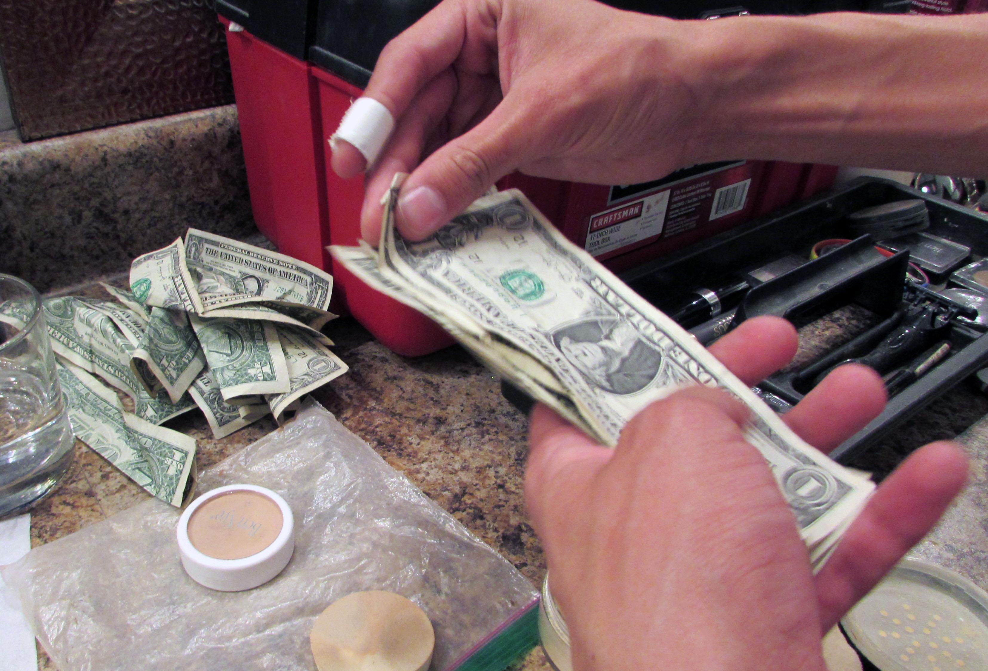 money-1530032449-45.jpg
